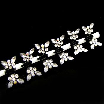 ADDL Item  6 butterfly rhinestone mini hair claw pin