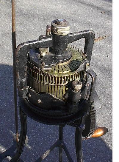 RARE Vintage Home Profit Knitter Knitting Machine + Stand 36 Ribber 72